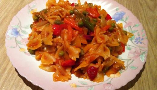 Veggie farfalle pasta in creamy tomato sauce manjeeras recipe book veggie farfalle pasta in creamy tomato sauce forumfinder Image collections